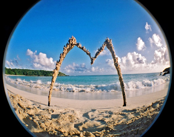Secret beach sand M