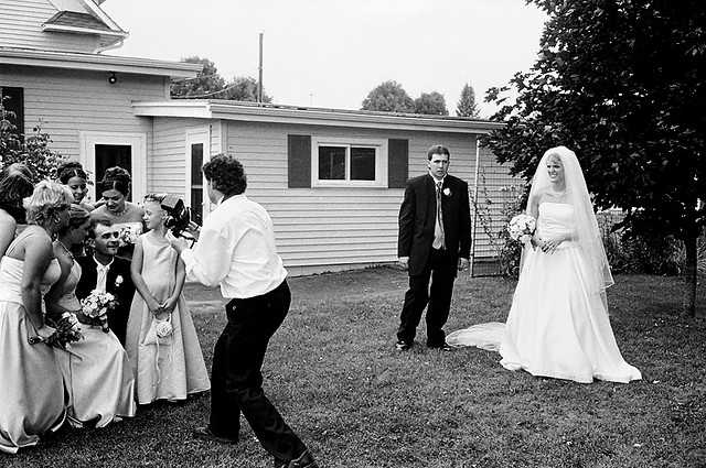 Wedding Photography Tips For Beginners: Beginner's Guide To Wedding Photography